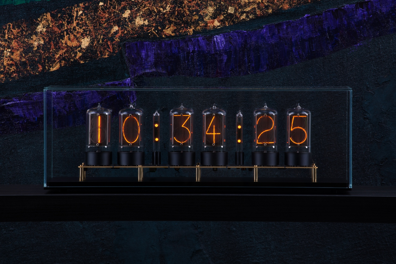 A Very High End Clock By Frank Buchwald Was Released MAD Gallery Its Name Is Nixie Machine II And It Features Our R