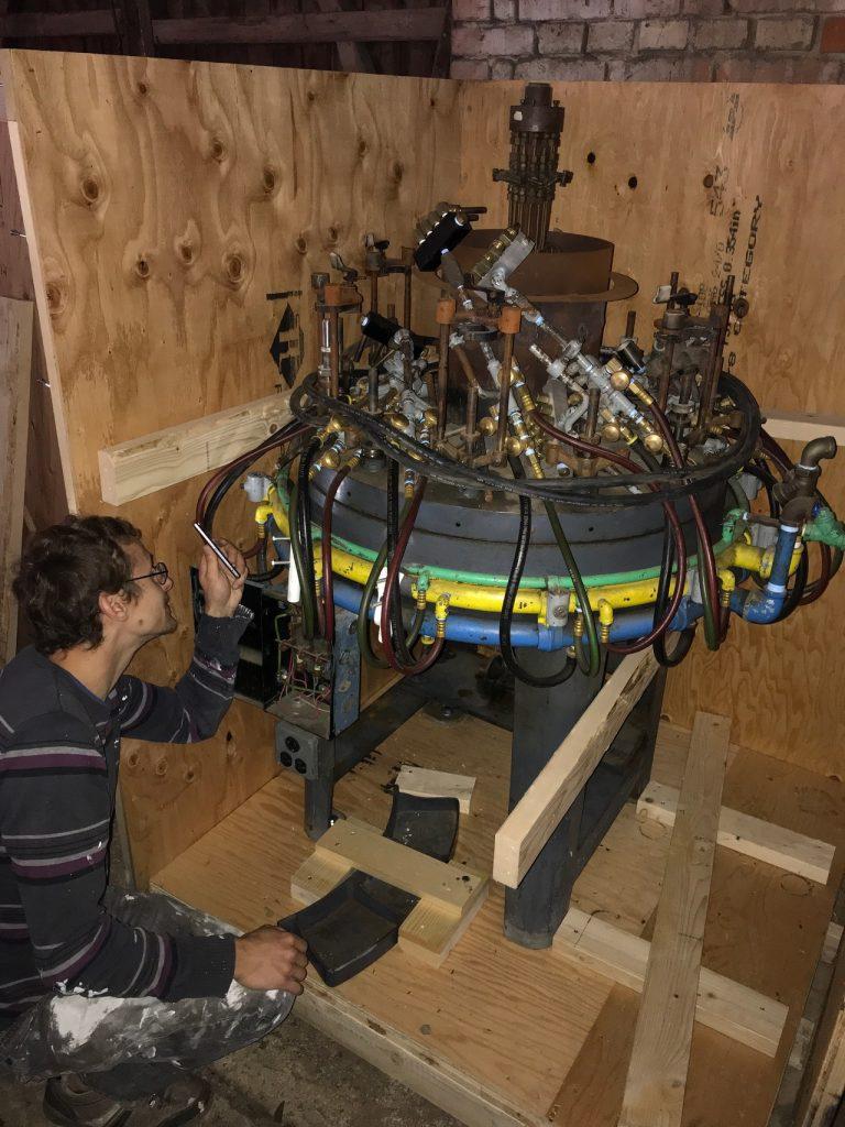 A tube sealing machine